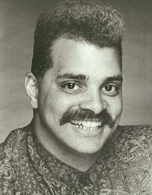 sinbad mustache